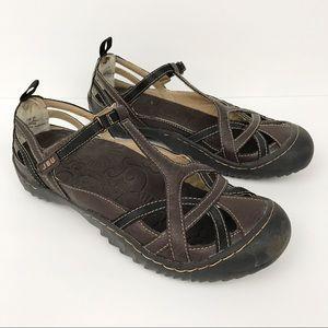 Jambu • Leather Shoes